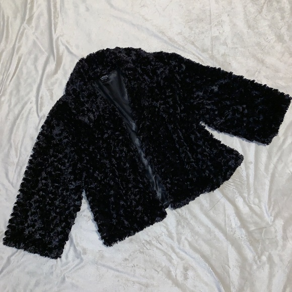Cejon Jackets & Blazers - Cejon Black Fluffy Open Blazer Large
